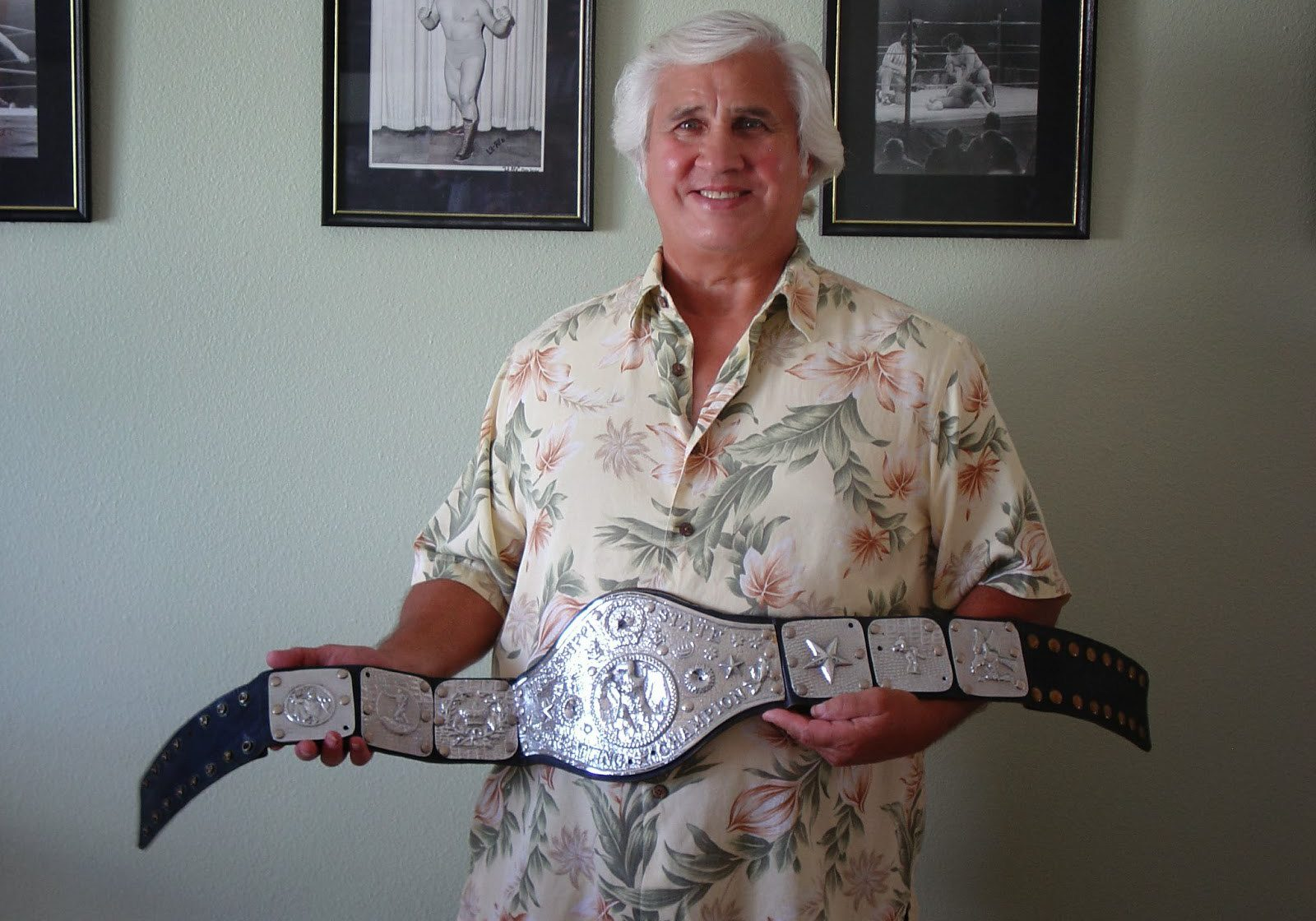 Don Anderson with wrestling memorabilia 1